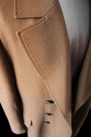Tenth Doctor's Coat, Image 3